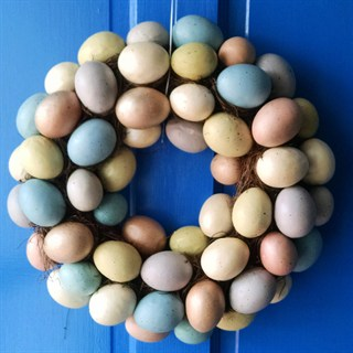 An Egg-cellent Wreath