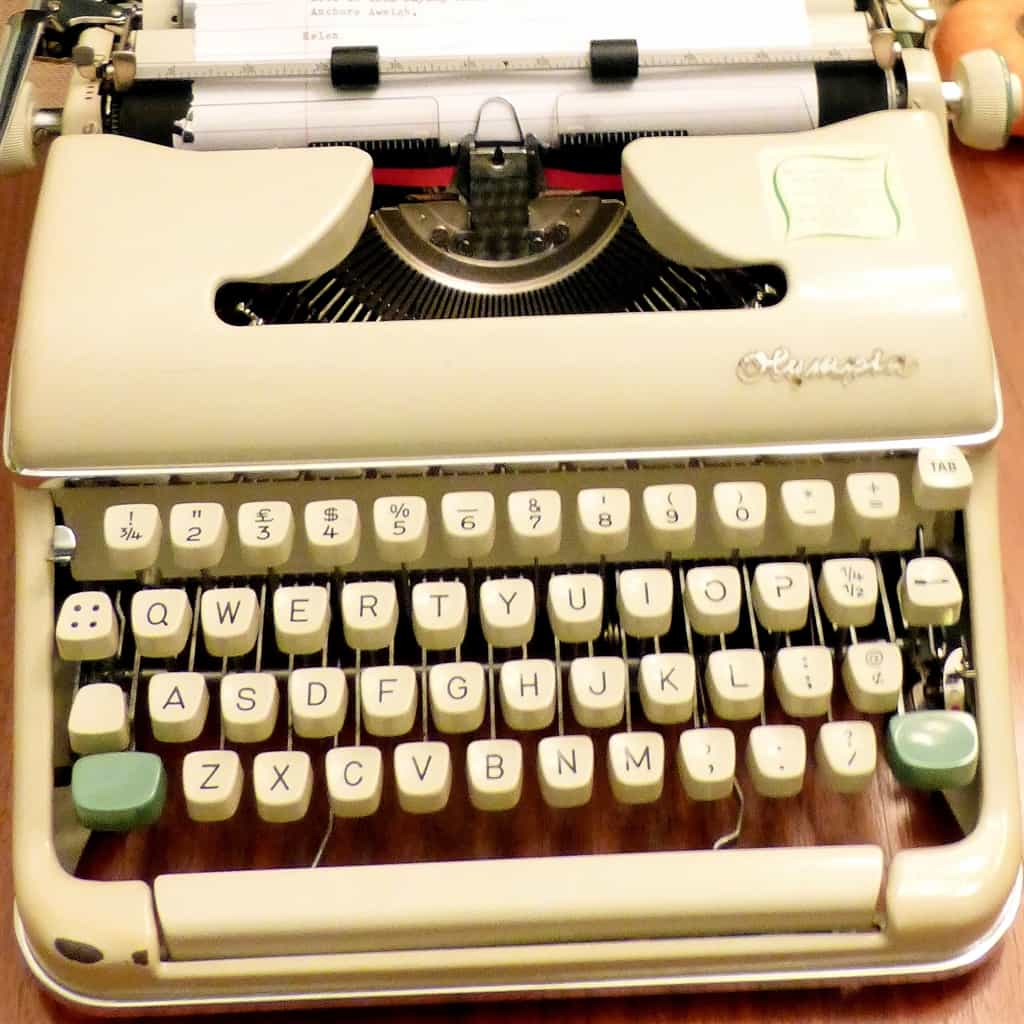 Typewriter Tuesday: Dad's Typewriter is back!