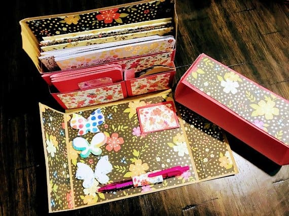 DeedersCraftyCorner Handmade Paper Stationery Gift Box & Notecards