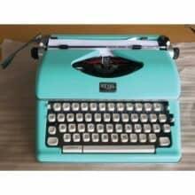 Royal Retro Classic Manual Typewriter Mint Green